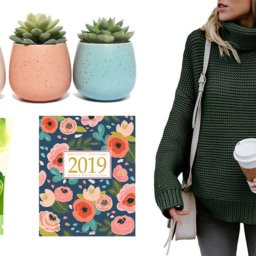 8 Gifts for Her Under $50 | Cartageous.com/Blog