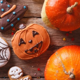 Yes, please. Nom. Nom. 20 of the Best Halloween Treats on Pinterest | Cartageous.com/Blog