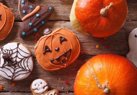 Yes, please. Nom. Nom. 20 of the Best Halloween Treats on Pinterest | Cartageous.com/Blog
